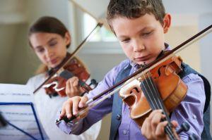 desarrollo cerebral aprender a tocar un instrumento musical
