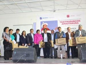 Cajamarca laptops sorteadas con ocasión del Día del Maestro