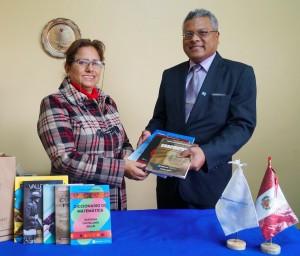 Donamos más de 400 libros - Derrama Magisterial
